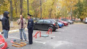 Куда жаловаться на незаконную парковку во дворе
