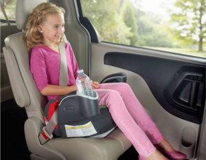 Детское кресло в автомобиль до скольки лет
