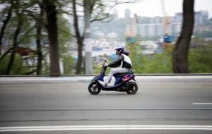 С какой категорией можно ездить на скутере