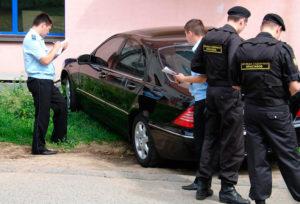 За какую сумму приставы могут наложить арест на авто