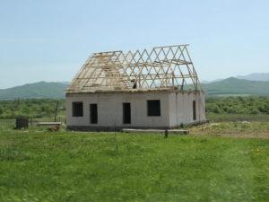 Здание построено на арендованном земельном участке