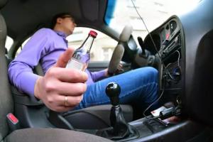 Повторная езда без прав в пьяном виде