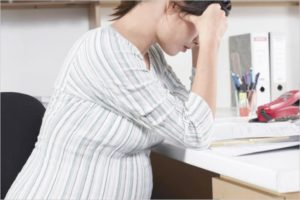Могут ли сократить с работы беременную женщину