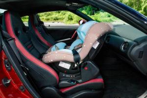 Можно ли ставить детское кресло впереди