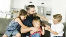 Я отец трех детей от разных браков являюсь многодетным отцом